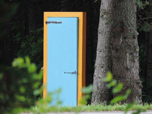 09h 500 door open