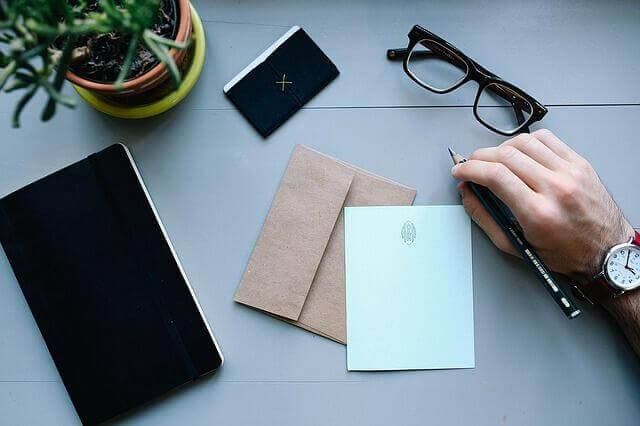 記事作成を外注して効率化を図る方法