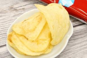 ポテトチップス 塩あずき味2