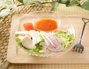 1食分の野菜が摂れる蒸し鶏の冷製パスタ
