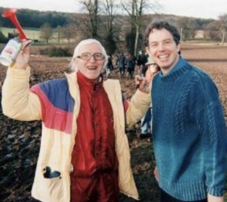 ブレア元首相とサヴィル