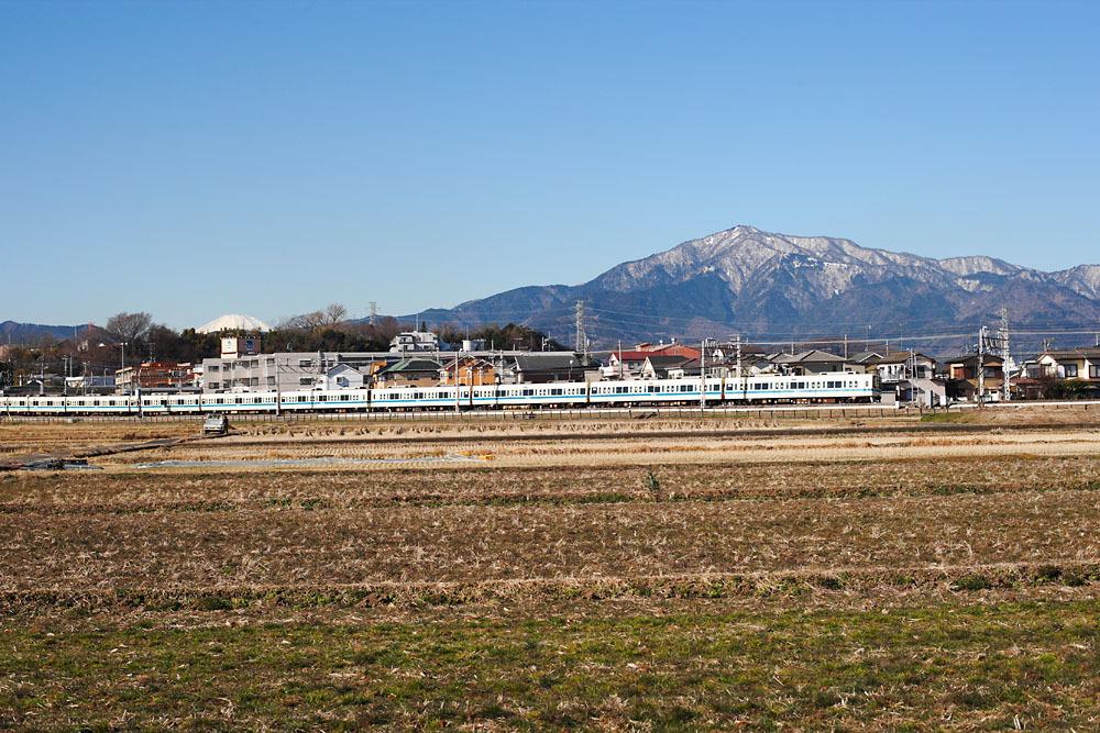 160125_8000形_大山と富士山