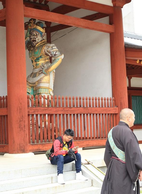 ブログ 薬師寺 中門 阿吽像の 阿形.jpg