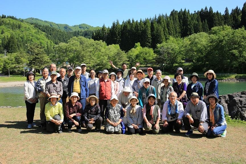 ブログ用 沼沢湖の集合写真.jpg