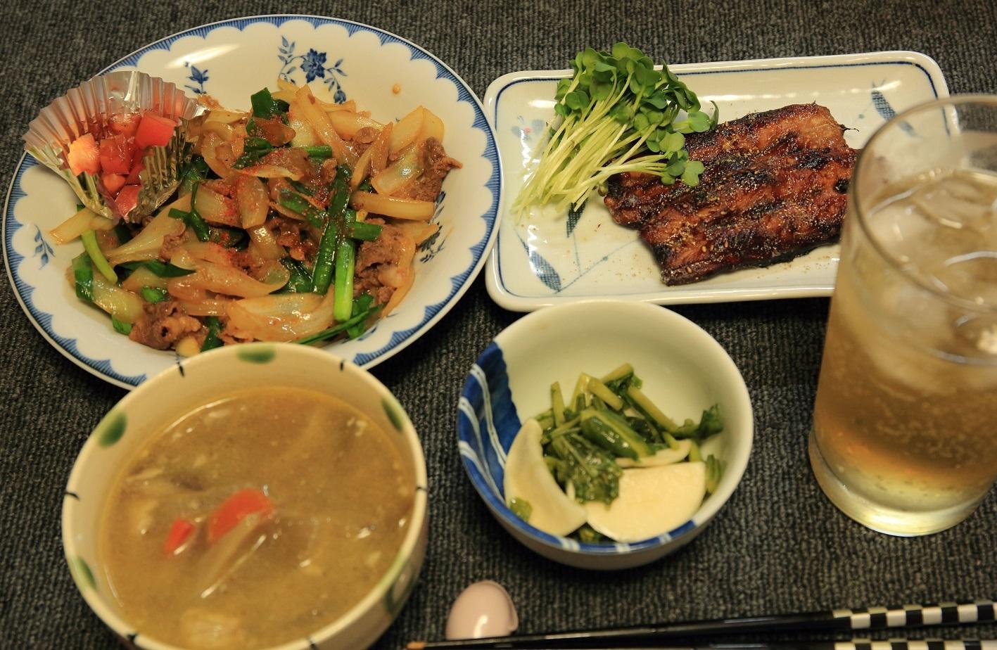 ブログ 玉ねぎ大量 夕食.jpg