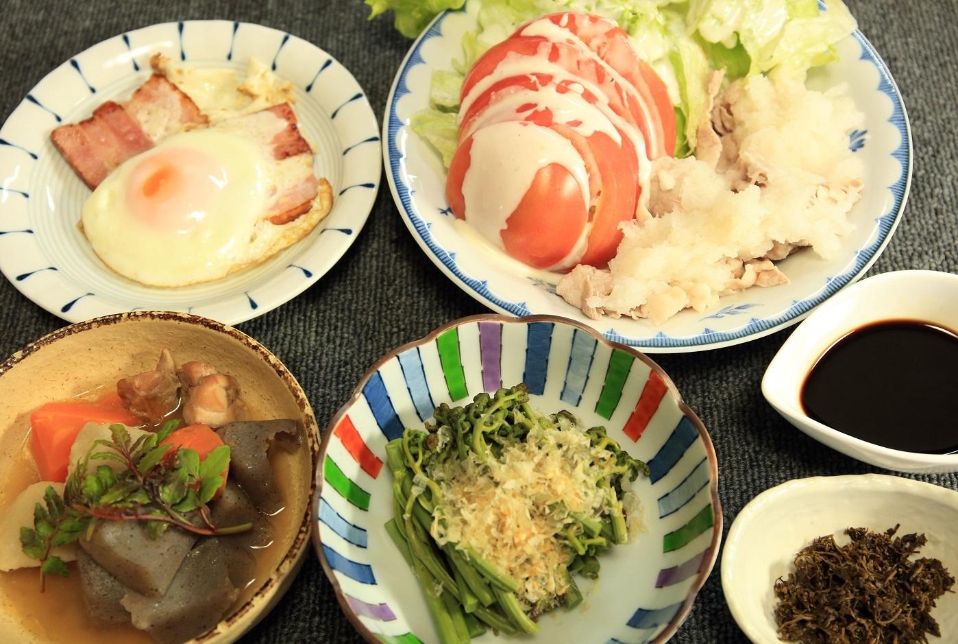 ブログ夕食 ワラビ 山椒の佃煮.jpg