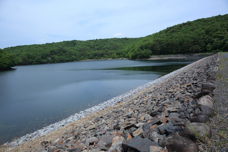 ブログ ダム堰堤は静か.jpg