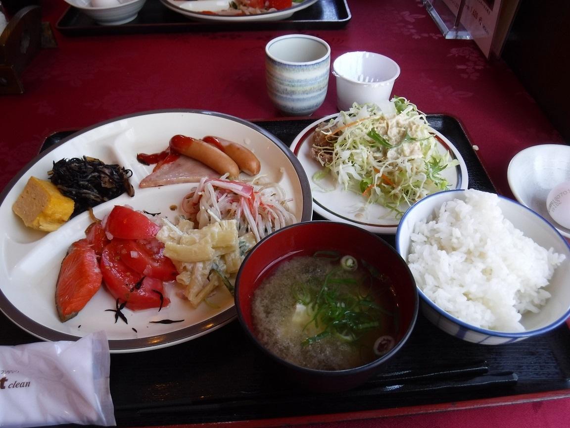 ブログ ホテルの朝食もしっかり摂って.jpg