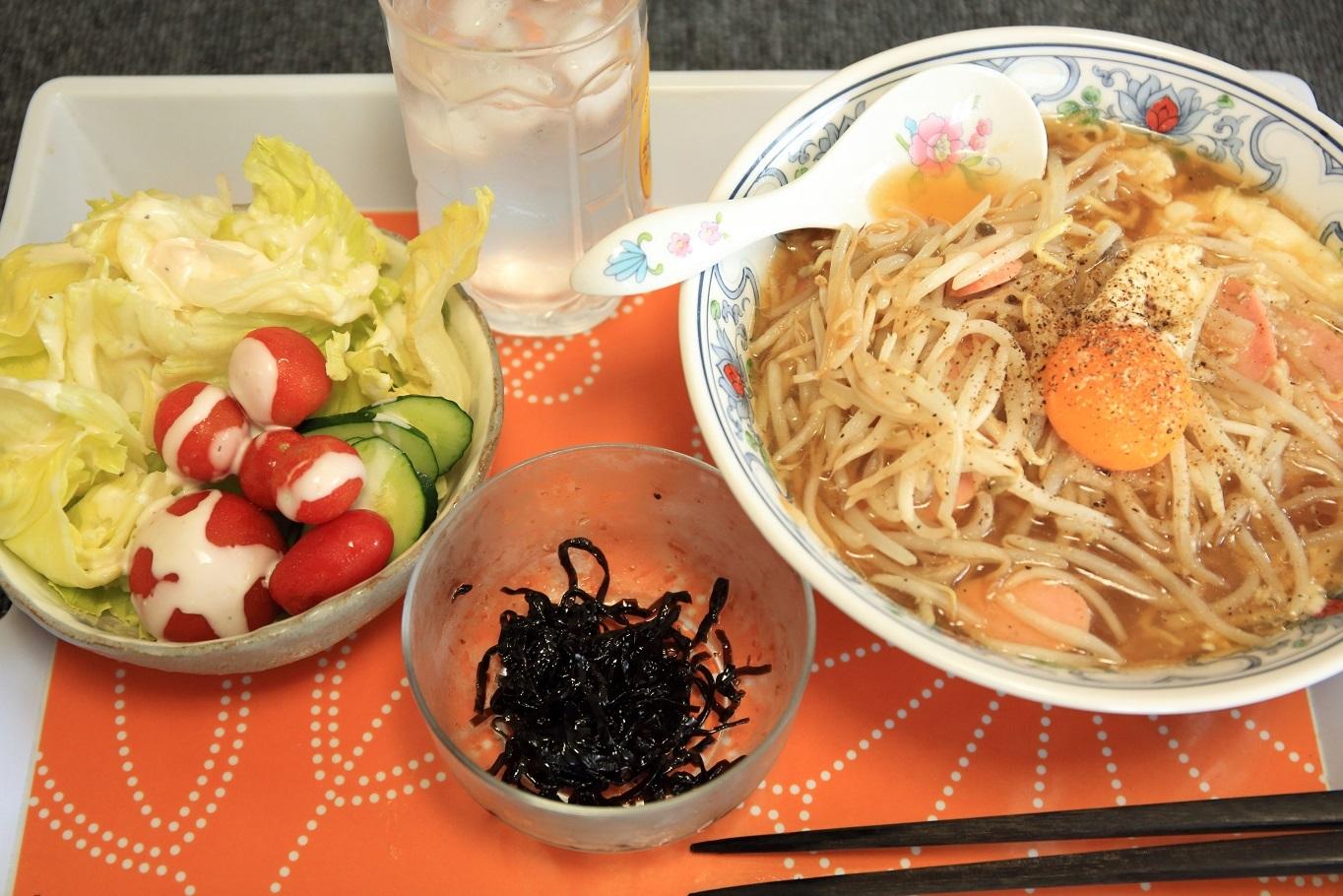 ブログ 簡単な昼食.jpg