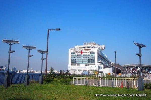 横浜港大さん橋国際客船ターミナルのダイヤモンド・プリンセス