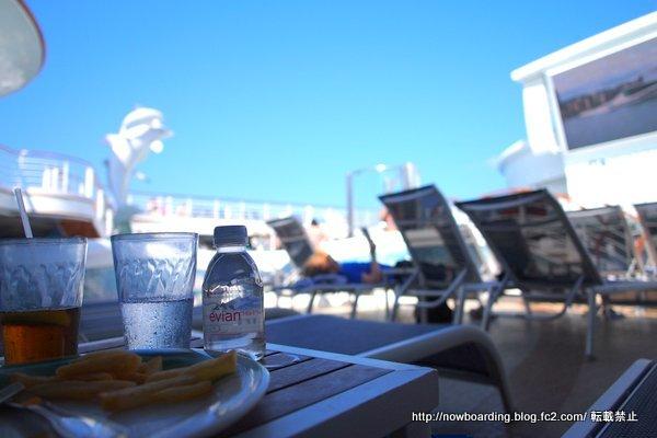 クルーズ旅行 終日航海日の過ごし方 プール