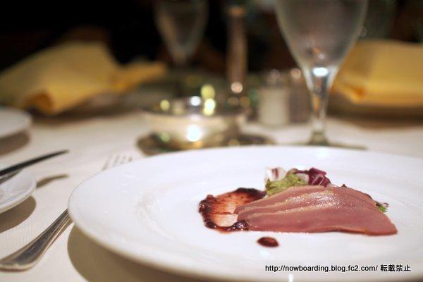 クルーズ女子旅のフォーマルナイトのメインダイニングのディナー・夕食