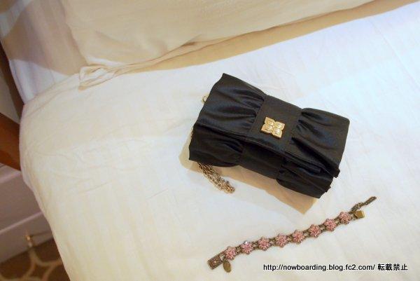 30代女性若い人のクルーズ旅行のフォーマルナイトで実際に着た服装、アクセサリーとバッグ編