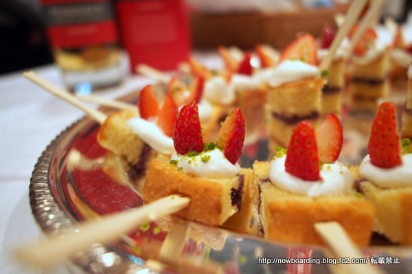 「英国アンバサダーアワード」授賞式 イギリス大使館 ヴィクトリア サンドイッチケーキ