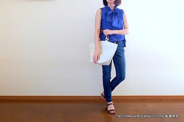 30代きれいめカジュアルプチプラファッションブログ フリルネックノースリーブブラウス 着用画像