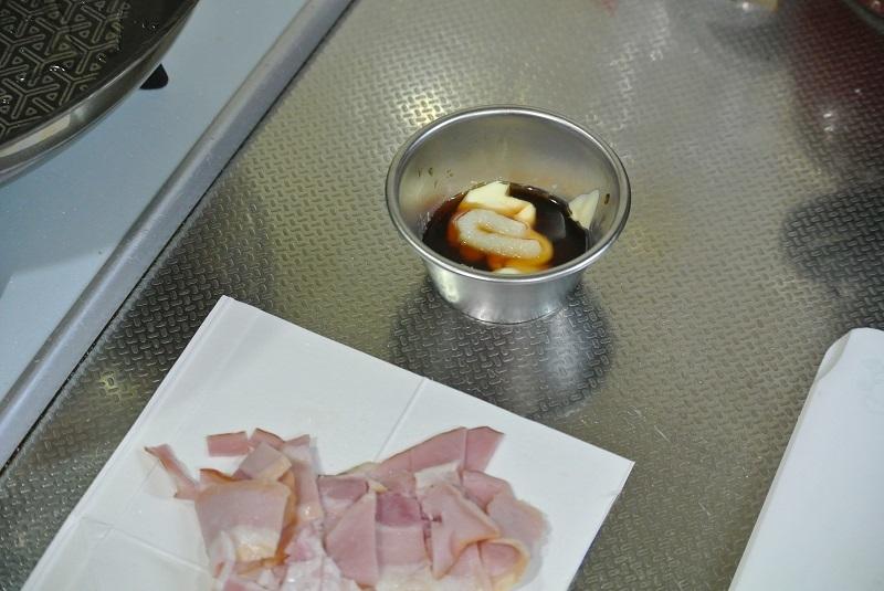 焼きレタスとベーコンのサラダレタスドレッシング