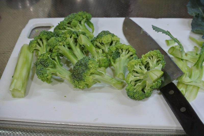 ブロッコリーの切り方4