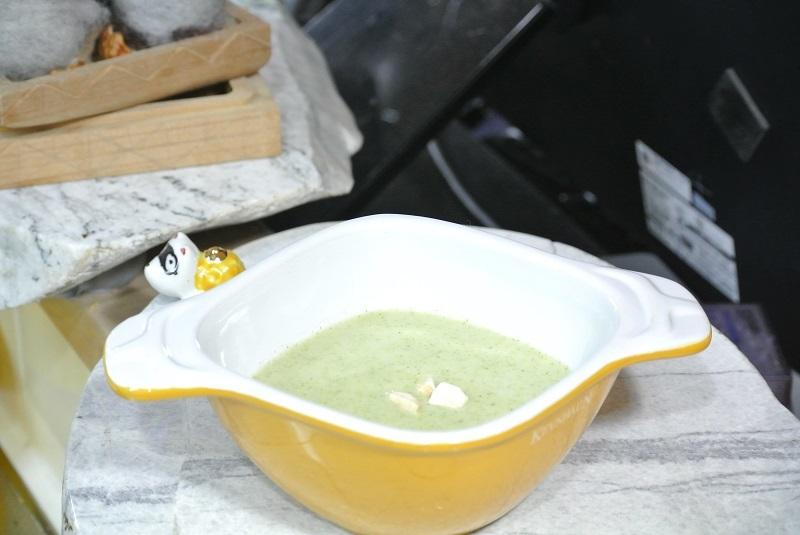 ブロッコリーのポタージュスープ1