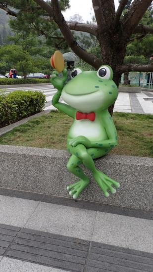 台湾カエルオブジェ