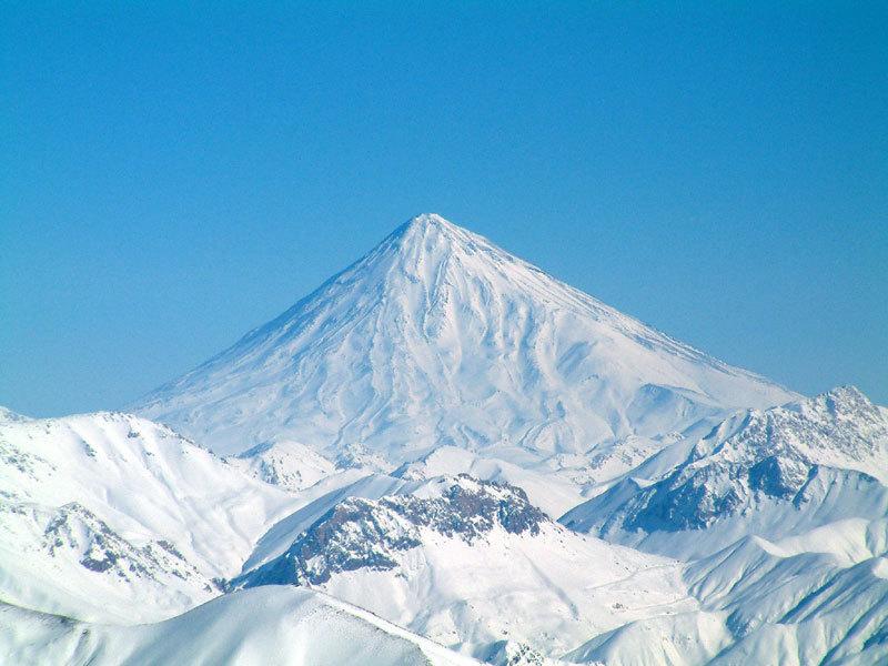 冬のダマーヴァンド山