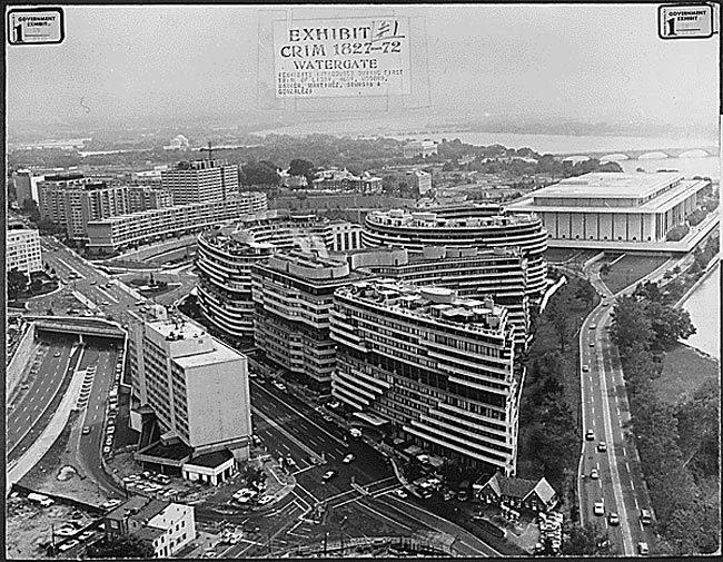ウォーターゲート・ビルとコンプレックスの全景