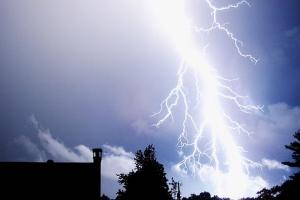 lightning-1845__340.jpg