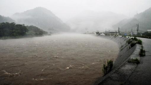 9000大雨18762