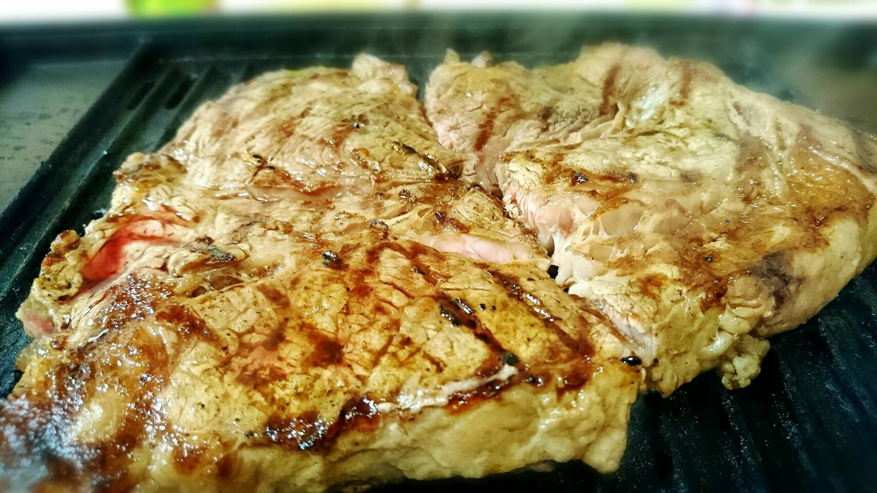 極厚はみ出しロース肉で自宅焼肉