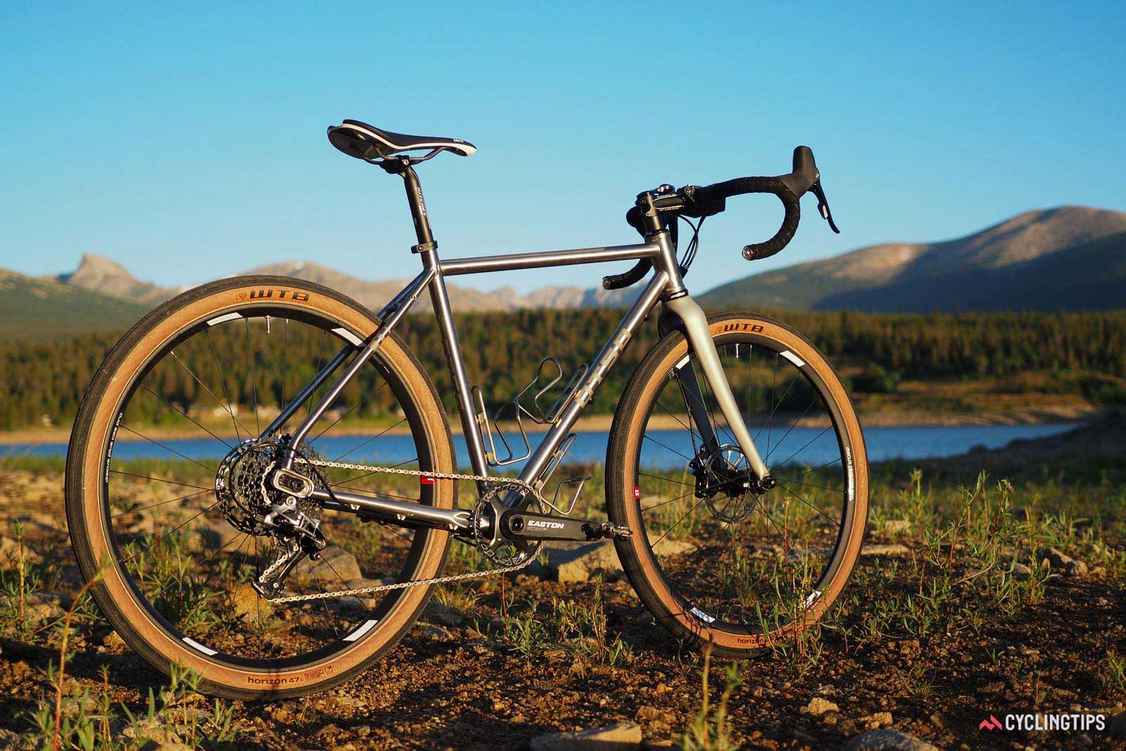 ロードバイク 金属
