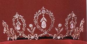 tiarra-silvia-queen.jpg