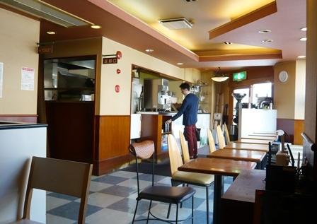 パリオカフェ:店内1