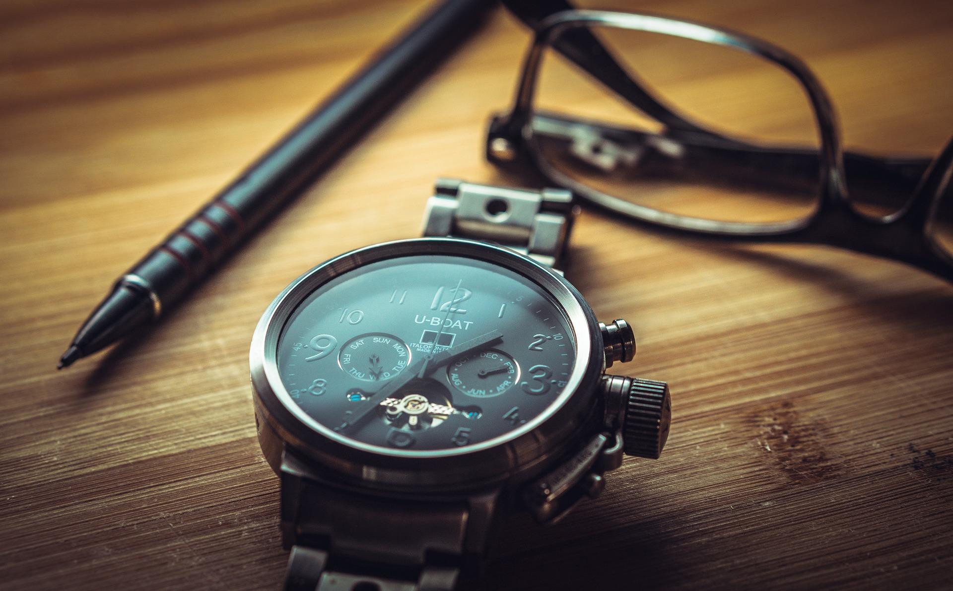 clock-1461689_1920.jpg