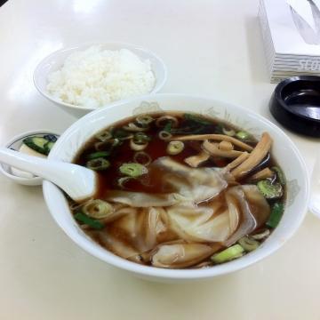 ワンタン麺とライス