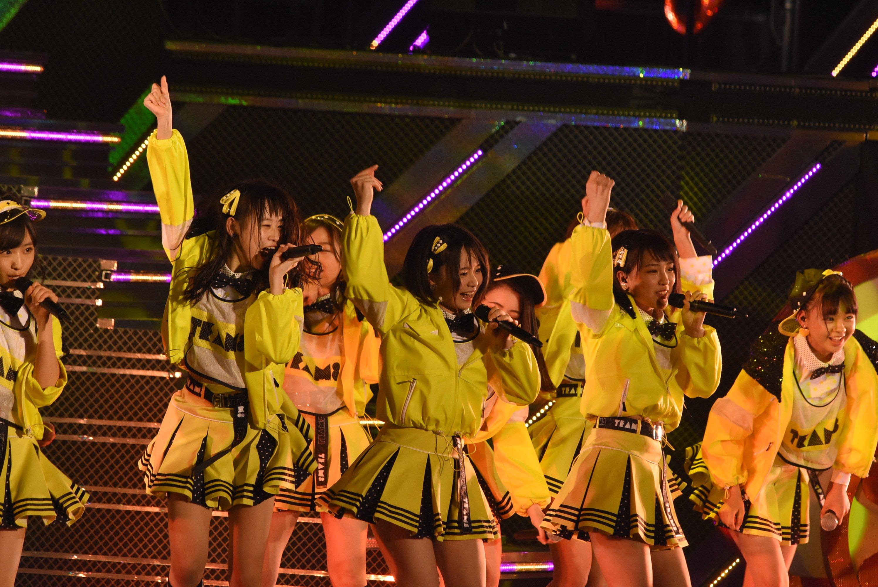 チーム8が新曲「蜂の巣ダンス」を披露!!センターは、な、なんと!!