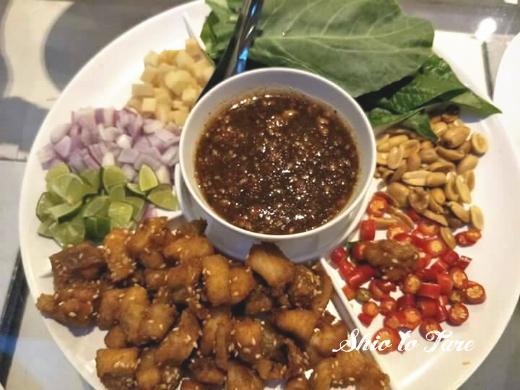 1525206224023_20180503_とんがらし麺うま辛ト20180504_バーベキュー&タイ料理(LINE)