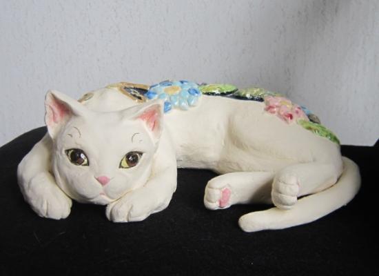 花模様の寝猫