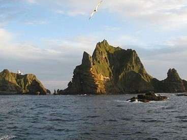 450px-Dokdo_Photo.jpg