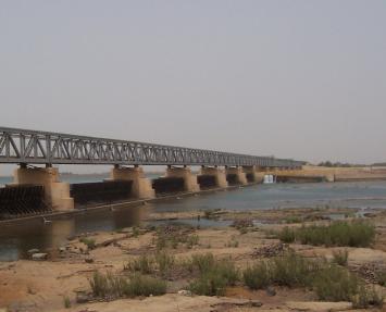 マリ国ニジェール川の堰