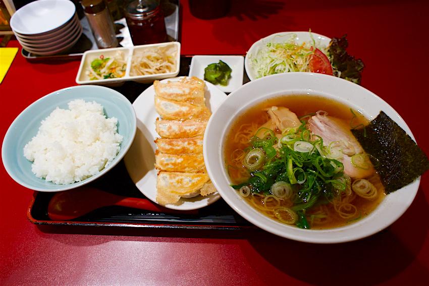 典満餃子@宇都宮市駅前通り 焼餃子 支那そば定食