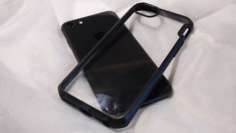 iphone_case_002.jpg