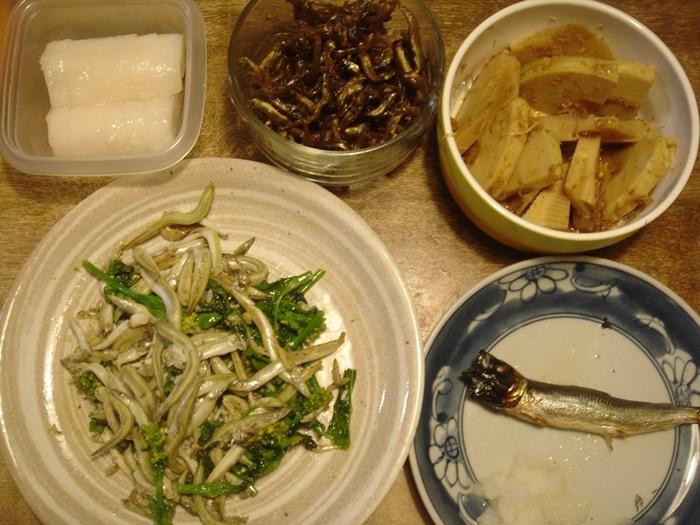 いかなごと菜の花の炒めもの丼