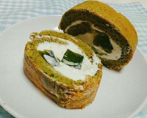 抹茶ロールケーキ(抹茶ゼリー入り♡)【全部で糖質7.8g】