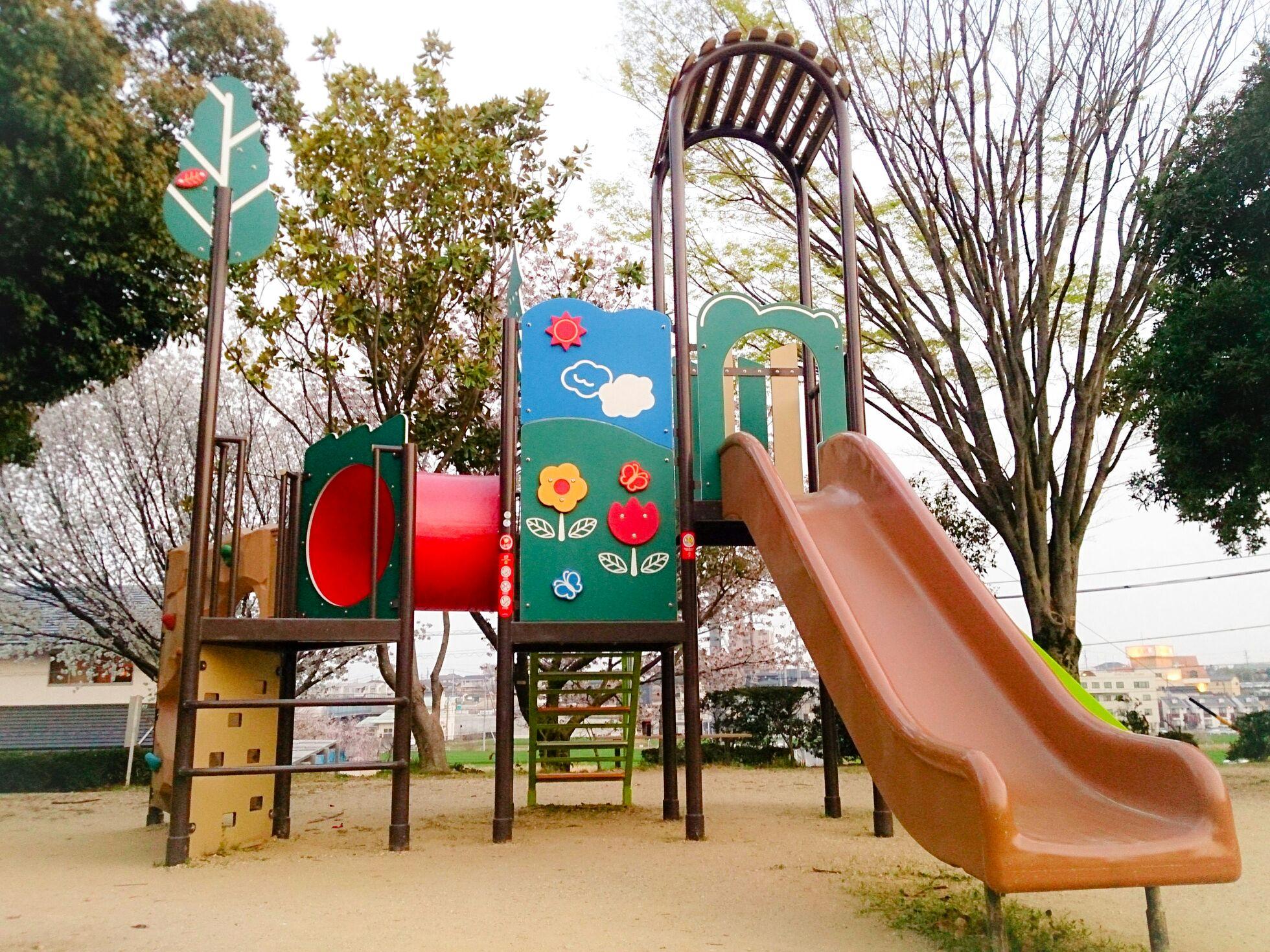 ソリで遊ぶ!?土橋公園