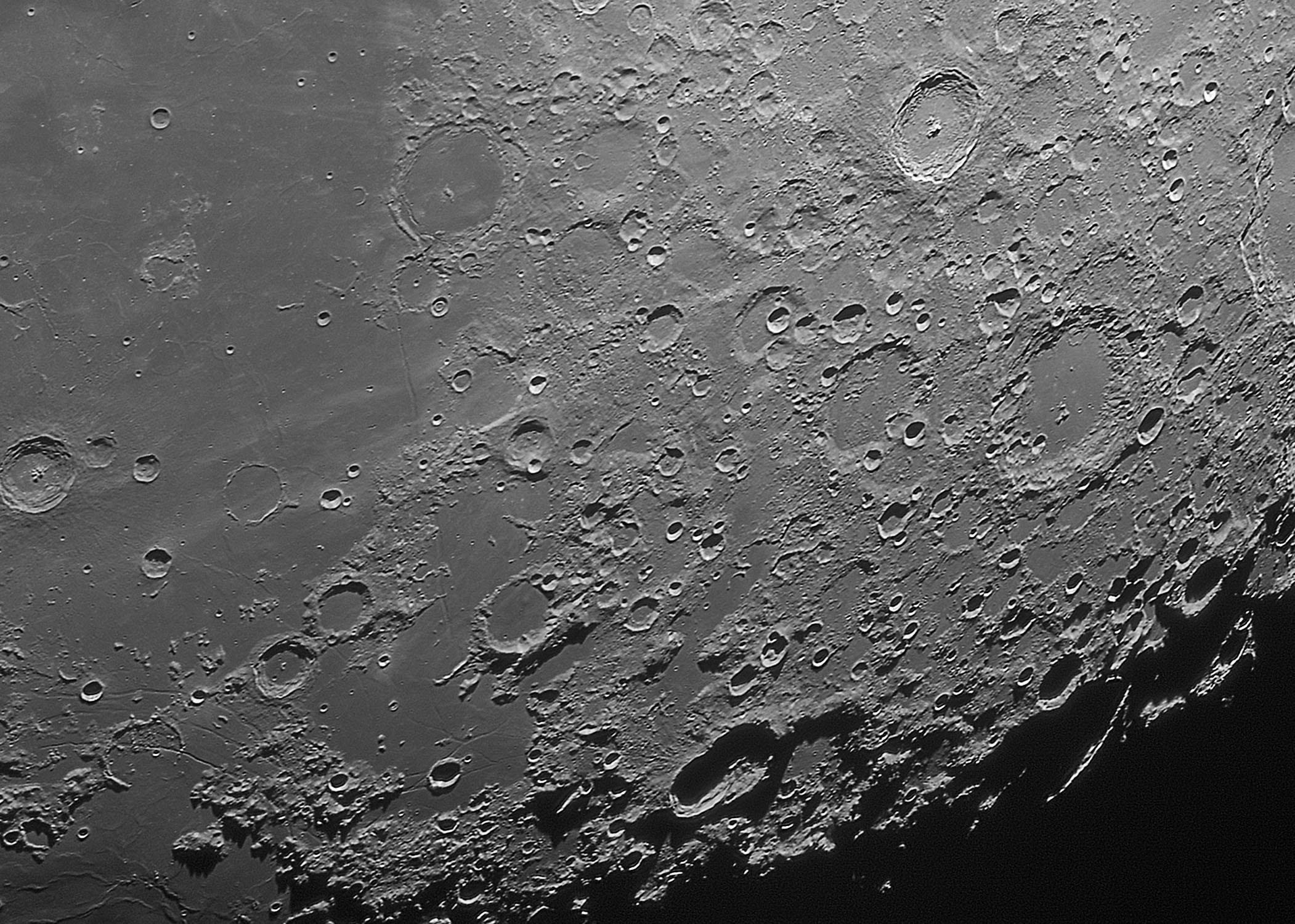 20180327 Moon_22_47_42