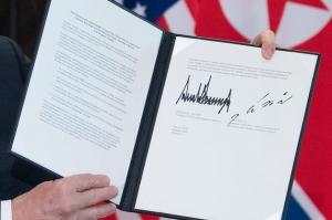 共同宣言 サイン