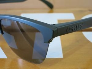 Oakley18FrogskinsLite8