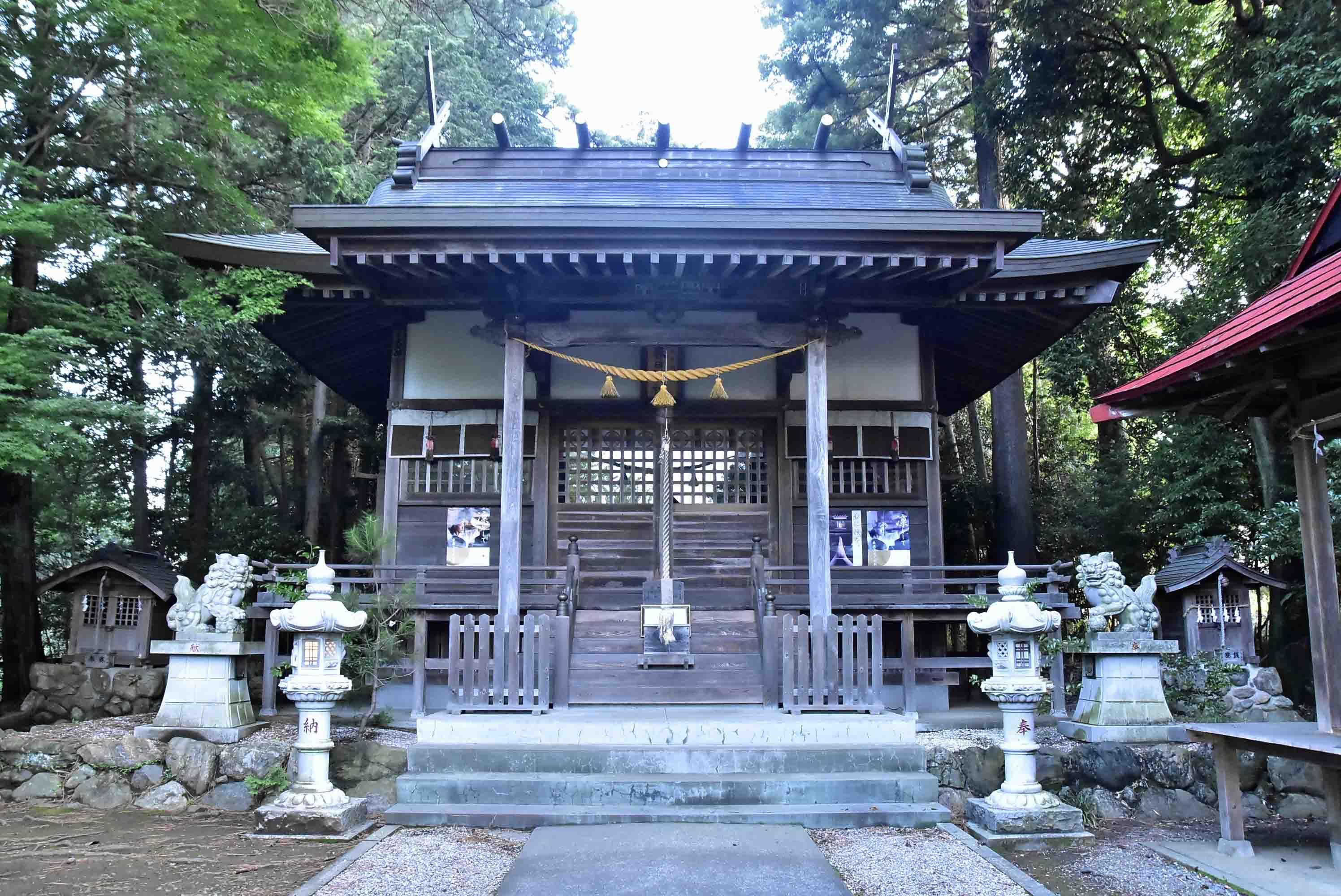 春日神社 社殿
