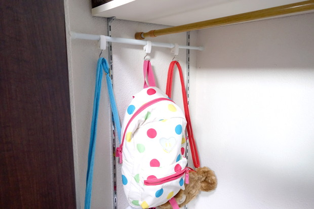 セリア・つっぱりポール・クリップフック・身支度スペース・子供鞄①