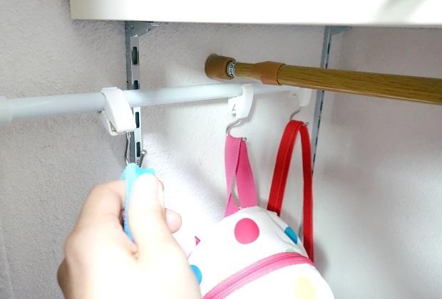 セリア・つっぱりポール・クリップフック・身支度スペース・子供鞄②
