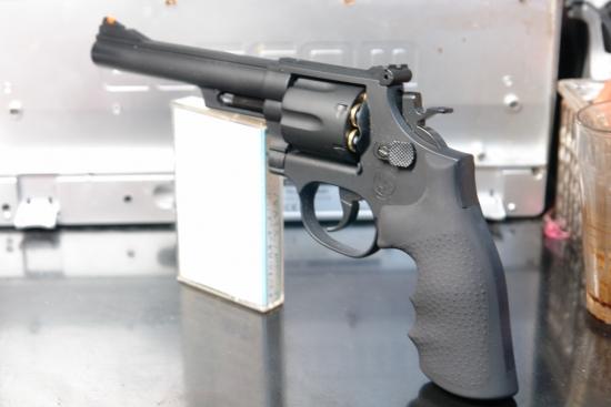 クラウンモデル S&W M19(6インチモデル) とてもスリムな銃